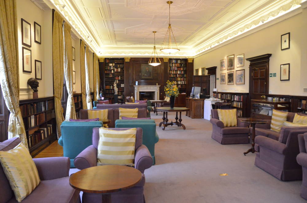 The Athen 230 Um Club Pall Mall