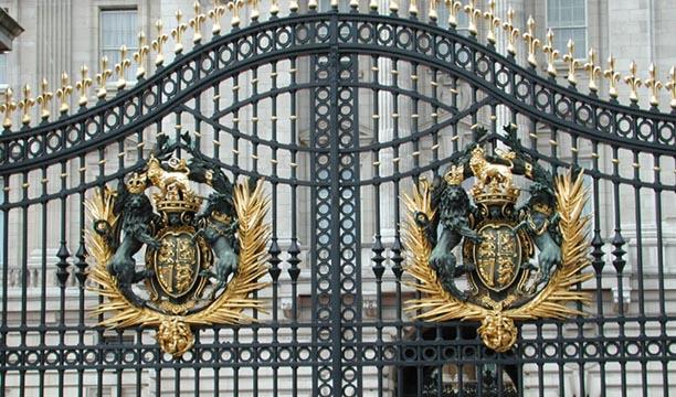 Coats Of Arms Buckingham Palace