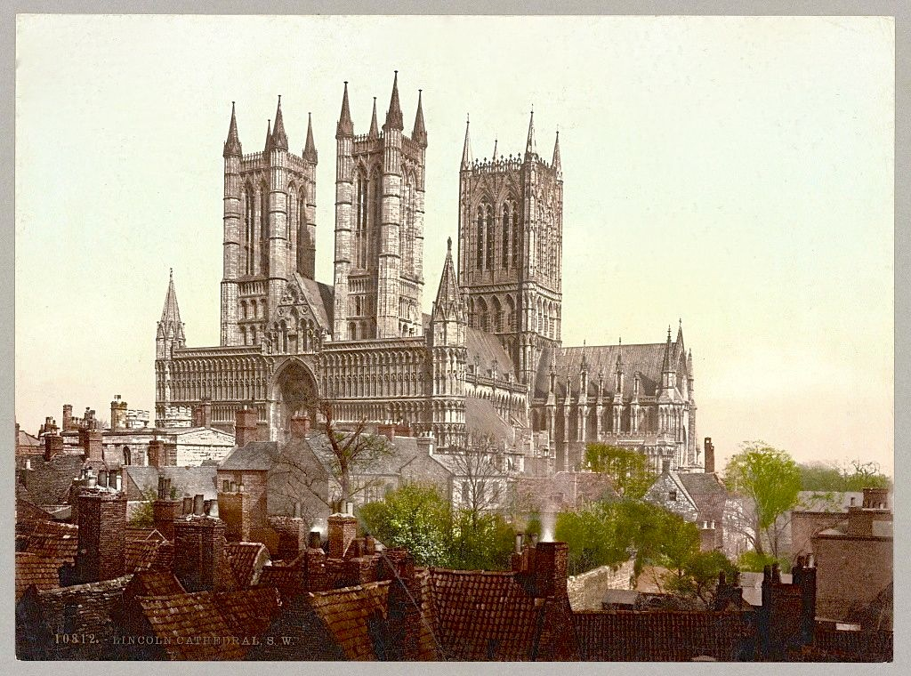 Lincoln Cathedral, southwest aspect. Photocrom Print, c.1890-1906. Library of Congress reproduction no. LC-DIG-ppmsca-52397.