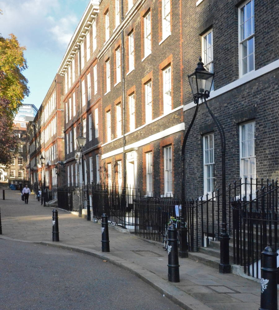 Kings Bench Walk Inner Temple London Looking South Sir Christopher Wren 1677 78 Red Brick Weinreb Et Al 431 Nos 9 11 In Yellow