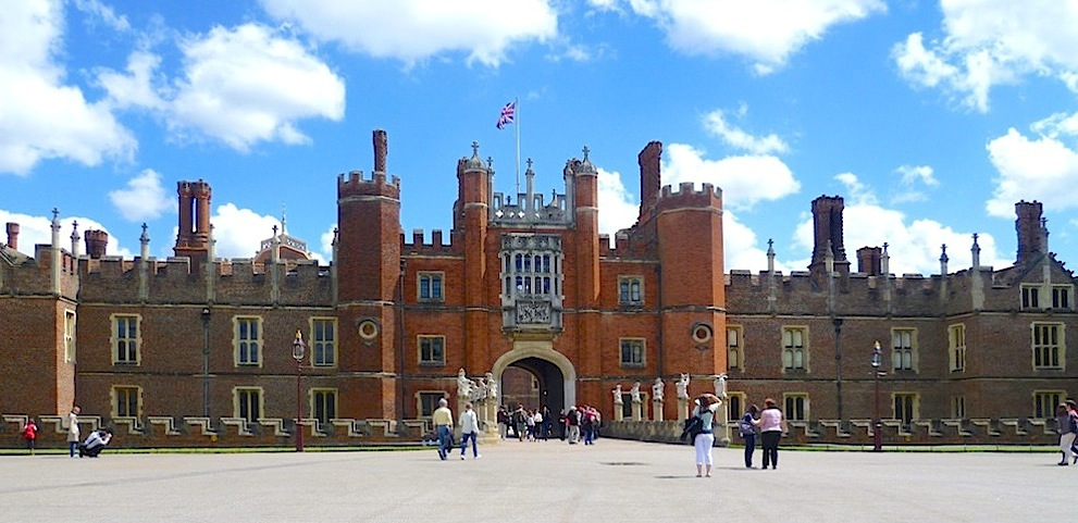 80 Home Park Hampton Court Opening Times Hampton Court Palace Golf Club Heated Open Air