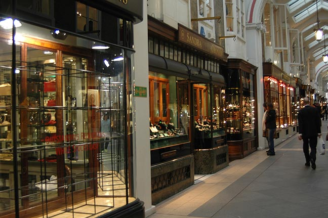 la Arcada de Burlington [The Burlington Arcade]