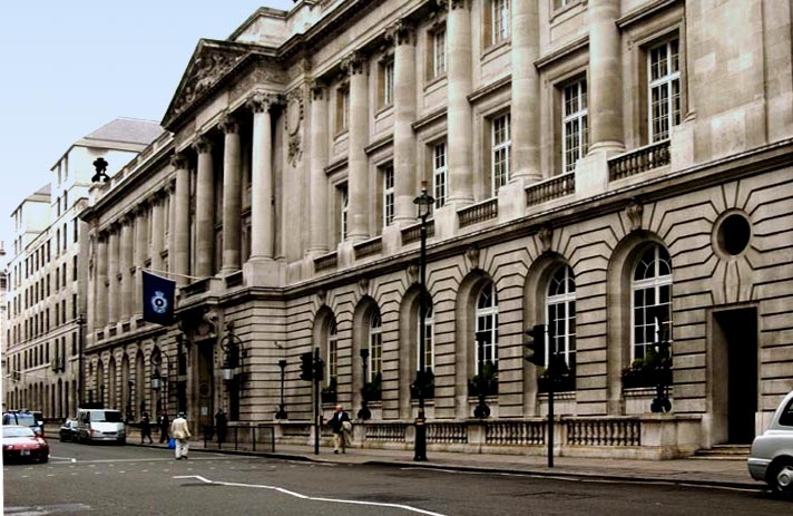 The royal automobile club pall mall londres for Architecture londres