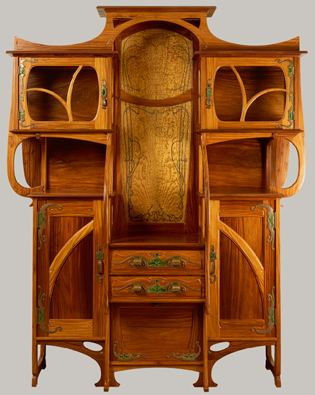 Cabinet vitrine 1890 by 201mile Gall233 : 19 from www.victorianweb.org size 450 x 564 jpeg 110kB