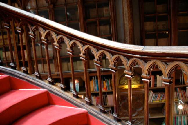 Gothic Arched Staircase Railing Livraria Chardron 144
