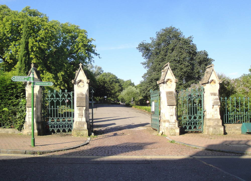 Lodge Gates Piers And Railings Camberwell Cemetery London