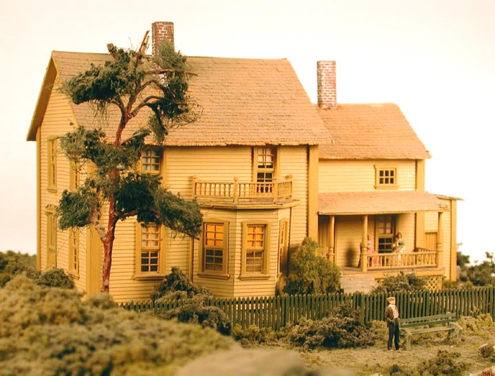 Building to scale model houses