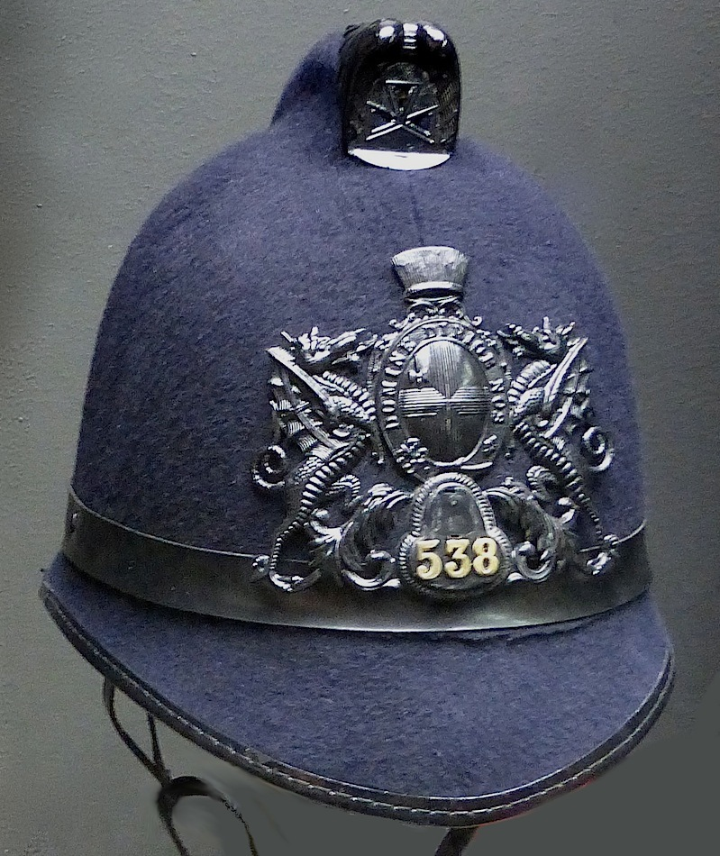 Metropolitan Police Night Tunic Button