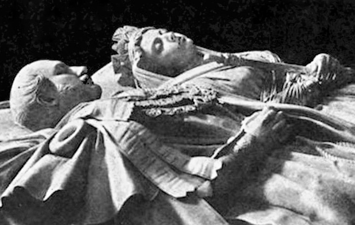 The Queen Victoria And Prince Albert Sculptures At Frogmore Mausoleum By Baron Carlo Marochetti