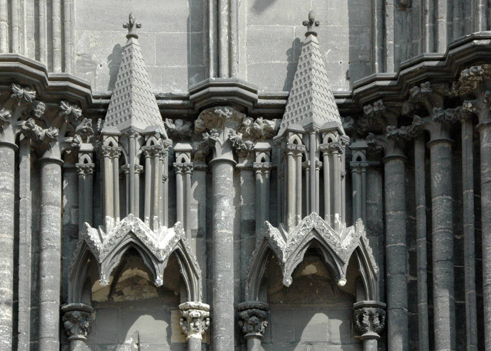 Bayeux cathedral france the exterior for Victorian gothic style
