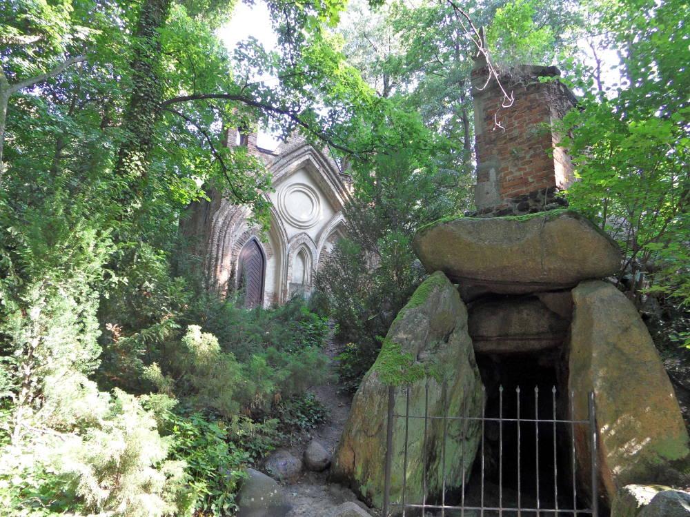 The english style romantic landscape garden in arkadia for Garden folly designs